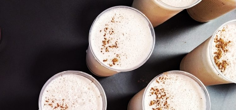 "Kešu: Smoothie kešu ""ala"" latte"